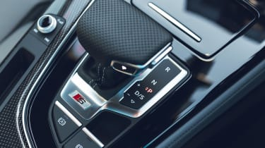 Audi S4 Avant estate gearlever