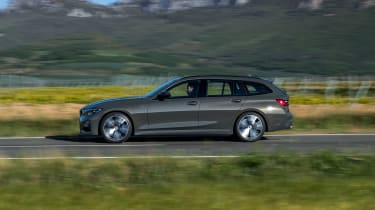 2019 BMW 3 Series Touring - side view dynamic