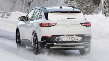 2021 Volkswagen ID.4 SUV - winter testing rear  3/4