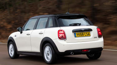 MINI 5-door hatchback rear tracking