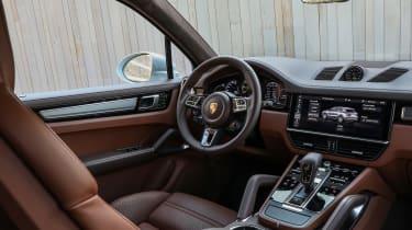 Porsche Cayenne Turbo S E-Hybrid interior