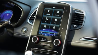 The infotainment screen grows from seven to 8.7-inches from Dynamique S trim