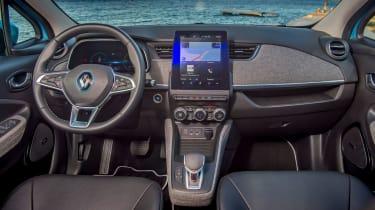 Renault ZOE old vs new dashboard