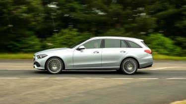 Mercedes C-Class Estate side panning