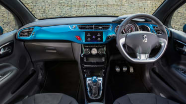 It's possible to colour coordinate the interior of the DS 3, including the dashboard and gearknob