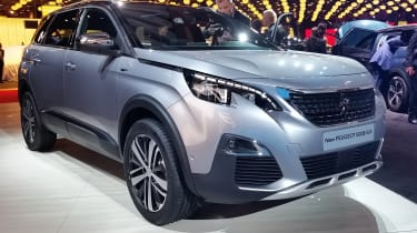 Along with the smaller 3008, the new Peugeot 5008 made its public debut at the 2016 Paris Motor Show