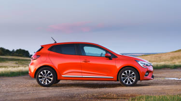2019 Renault Clio - side static view
