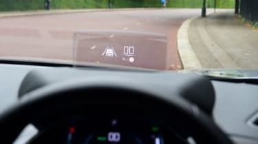 DS 3 Crossback E-Tense SUV head-up display