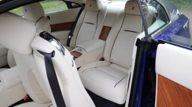 Access to the individual rear seats is made easier and more graceful by rear-hinged doors