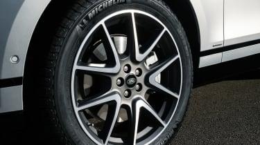 2021 Range Rover Velar P400e plug-in hybrid alloy wheel