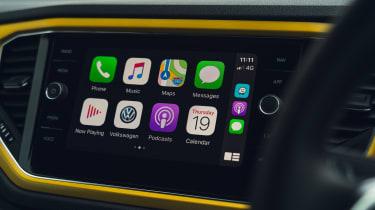 Volkswagen T-Roc Cabriolet Apple CarPlay screen
