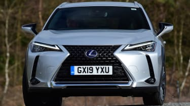 Lexus UX front tracking 2