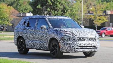 2020 Mitsubishi Outlander - Front 3/4 dynamic view