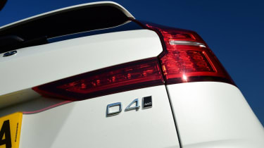 Volvo V60 Cross Country - D4 badge