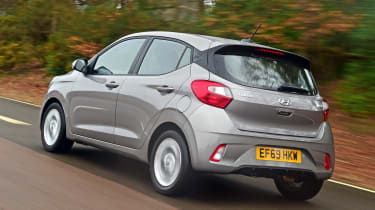 Hyundai i10 hatchback rear 3/4 tracking