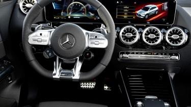 Mercedes-AMG GLA 35 steering wheel