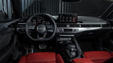 Facelifted Audi A4 Avant - interior