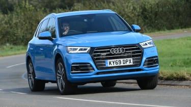 Audi Q5 - front 3/4 passing