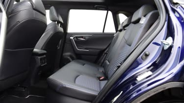 Toyota RAV4 Dynamic - rear seats