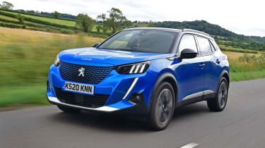 Peugeot e-2008 SUV front 3/4 driving