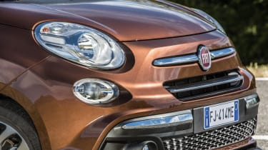 The exterior style of the 500L is closely modelled on the distinctive 1950s-influenced Fiat 500...