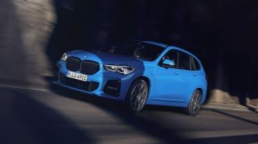 2019 BMW X1 SUV xDrive25e - front 3/4 view