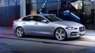 2020 Jaguar XE facelift driving
