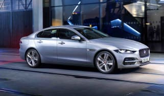2020 Jaguar XE facelift driving