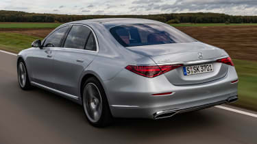 Mercedes S-Class saloon rear 3/4 tracking