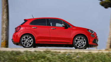 Fiat 500X Sport side - driving