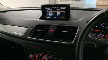 Audi Q3 2.0 TDI Quattro SE interior