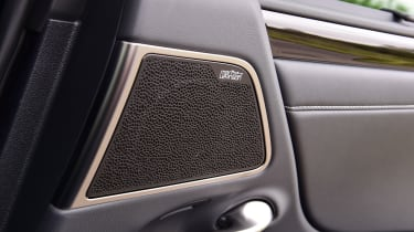 Lexus ES saloon speakers