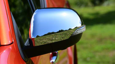 Mitsubishi L200 pickup door mirrors