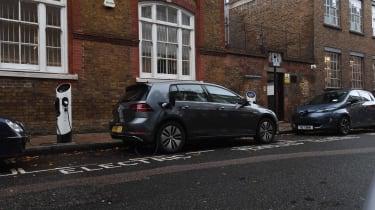 VW e-Golf' parking