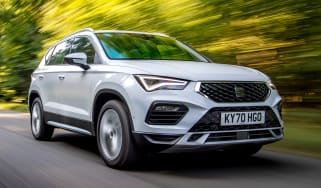 SEAT Ateca SUV front 3/4 tracking