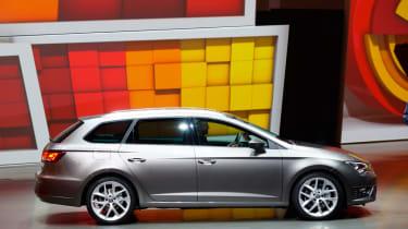 SEAT Leon ST side profile