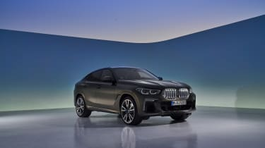 2019 BMW X6 - front quarter studio