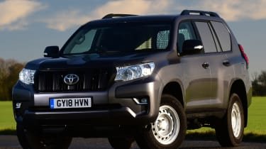 Toyota Land Cruiser Utility front static