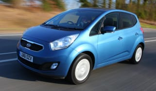 Kia Venga 2012 front quarter on road