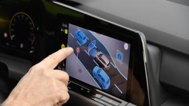 2020 Volkswagen Golf - infotainment screen controls