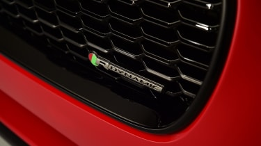 2019 Jaguar XE - front close