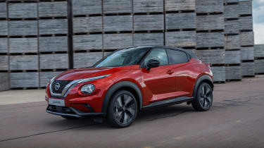 New Nissan Juke driving