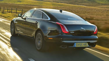 Jaguar XJ - rear 3/4 driving