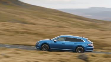 Volkswagen Arteon Shooting Brake estate side panning