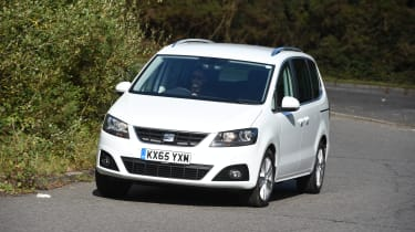 SEAT Alhambra - front 3/4 view