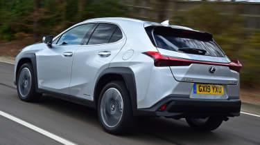Lexus UX rear tracking