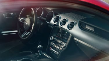 Ford Mustang coupe 2014 interior