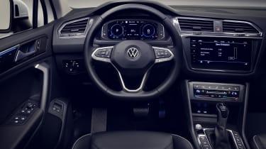 Volkswagen Tiguan plug-in hybrid interior