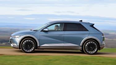 Hyundai Ioniq 5 drive - side panning