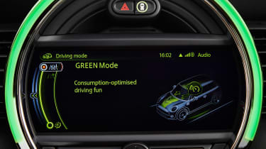 MINI hatchback 2014 main screen